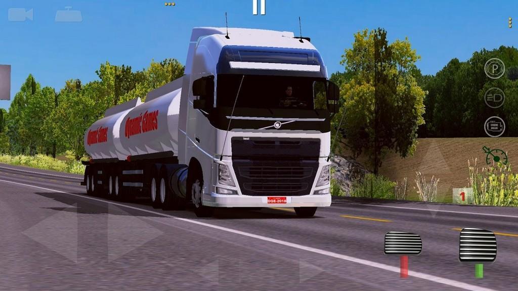 World Truck Driving Simulator MOD APK - Gameplay